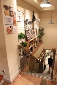 店内の風景・ディスプレイもインテリアも1階のファッションや2階のインテリアと同一コンセプトですごくおしゃれです。