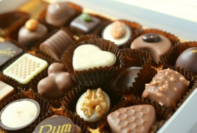 chocolates-491165_1920-400x270-MM-100
