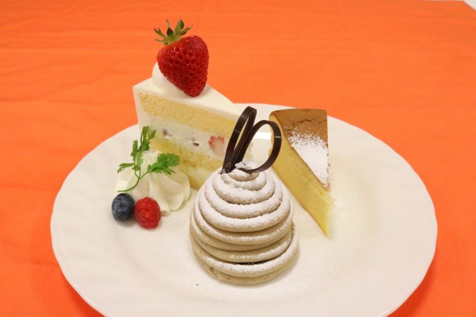 人気ケーキ盛3種 (8)