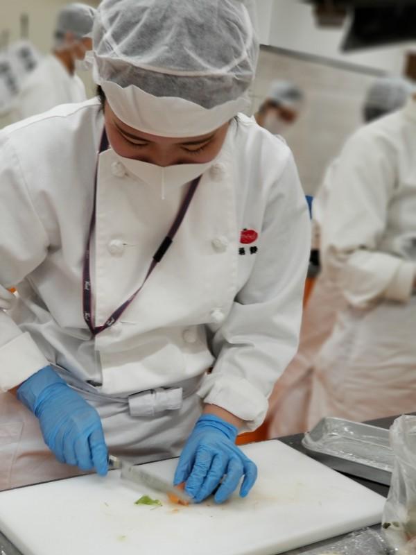 栄養士学科学生レストラン運営(2020.11.6)_201106_25
